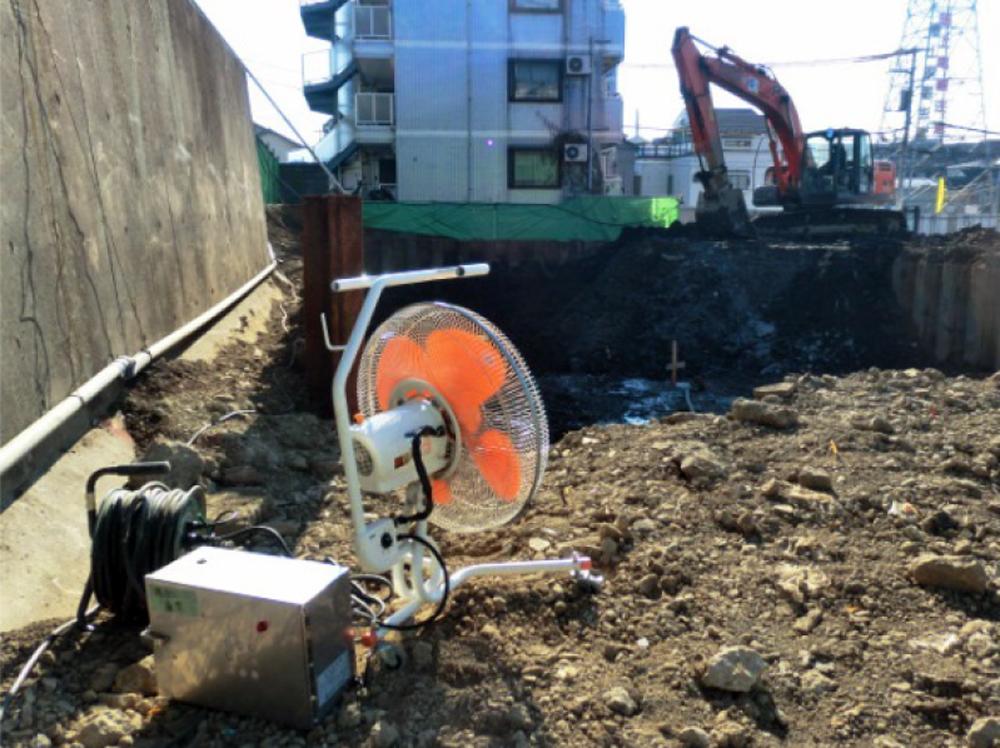 掘削工事現場(廃棄物混入)